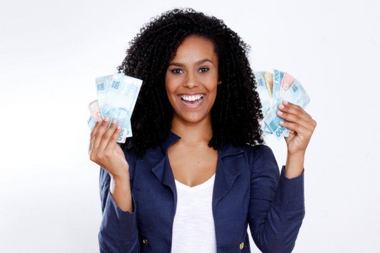 Use sua polivalência e comece a ganhar dinheiro por Fredy Figner